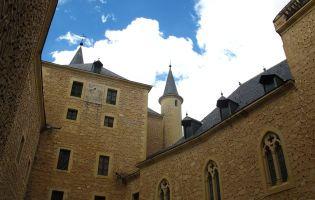 Patio del Reloj - Alcázar de Segovia