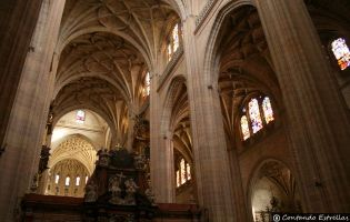 Nave central y Trascoro - Catedral de Segovia
