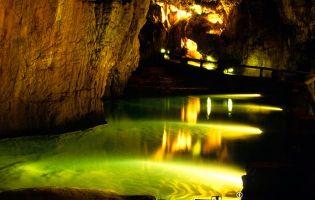 Lago - Cueva de Valporquero