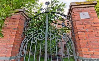 Puerta Fábrica de Harinas Bobo