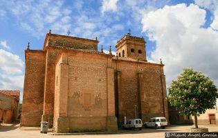 Iglesia barroca de Brías