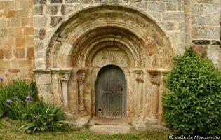 Portada iglesia de Crespos