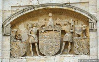 Iglesia - Escudo de los Reyes Católicos