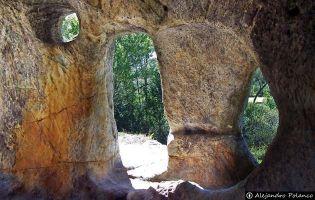Ermita rupestre de San Vicente - Cervera de Pisuerga