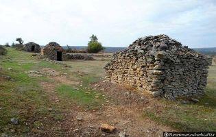 Chozas de Piedra - Orbaneja del Castillo