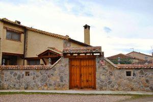 Casa rural Abuelo Regino en Tenzuela - Segovia