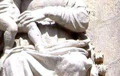 Virgen María con el Niño - Arco de Santa María.