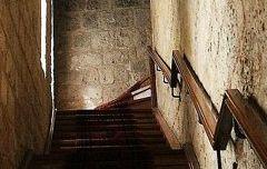 Escalera interior - Arco de Santa María