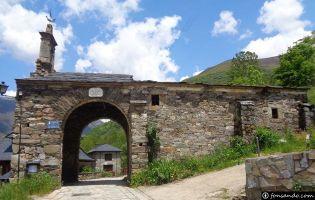 Arco de la ermita - Colinas del Campo
