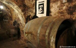 Bodegas subterráneas de Aranda de Duero - Barrica de vino