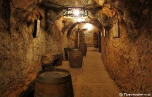 Qué ver en Aranda de Duero - Bodegas subterráneas - Pasillo y galería