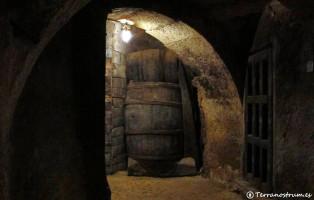 Qué visitar en Aranda de Duero - Bodegas subterráneas - Barrica
