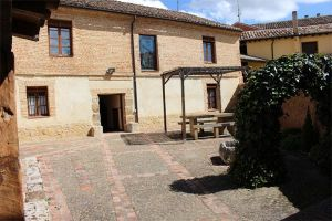 Casa rural con patio, barbacoa, jardín y aparcamiento - Melgar de Fernamental