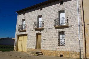 Casa rural La Antigua Posada en Hoyales de Roa - Burgos