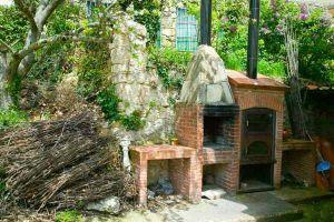 Casa rural con amplio jardín, huerto, barbacoa y horno en Santo Domingo de Silos