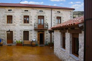 Casa rural Miralvalle en Cuevas de Provanco - Segovia
