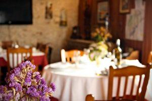 Casa rural con bar cafetería y comedor al norte de la provincia de Segovia