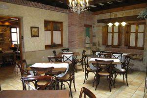 Restaurante Posada Las Mayas con capacidad para 40 comensales en la Sierra de la Demanda