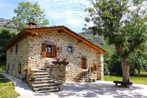 Casa rural Río de Lunada en Espinosa de los Monteros - Burgos