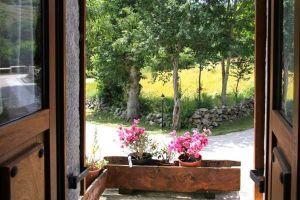 Casa rural con amplio jardín en Las Merindades - Burgos