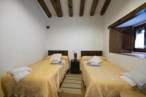 Dos casas rurales con capacidad para 8 y 4 personas en Las Merindades - Burgos