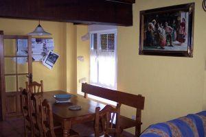 Casa rural con servicio de desayuno - La Serna en Pedrosa de Valdeporres