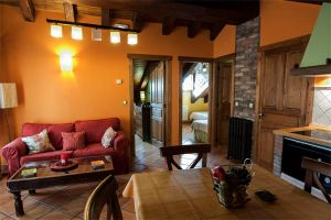 Casa rural con 3 alojamientos independientes en Picos de Europa - León
