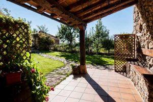 Casa rural con amplio jardín, porche y barbacoa en Picos de Europa - León