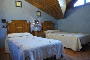Casa rural en la Sierra de la Demanda - Fuentelamora en La Revilla y Ahedo