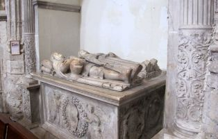 Capilla funeraria de los Fonseca - Arte funerario en Coca