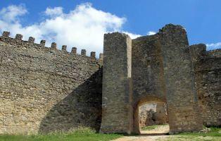 Monumentos de Interés en Fuentidueña - Puerta de la Muralla