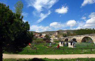 Área recreativa junto al río - Puente medieval de Fuentidueña - Segovia