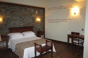 Hotel rural El Casón de los Poemas con bañera hidromasaje y sauna en las habitaciones