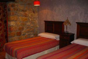 Habitaciones con aire acondicionado, televisión y acceso a internet en Las Merindades - Hotel rural La Pradera