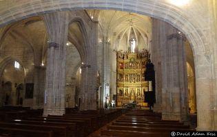 Iglesia con planta en forma de cruz latina - Aranda de Duero