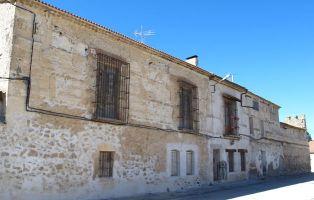Palacio de los Condes de Contreras - Laguna de Contreras