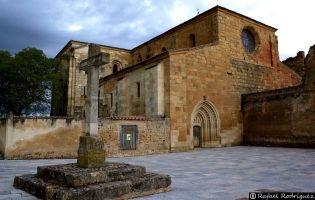 Monasterio de Santa María de Sandoval - Villaverde de Sandoval.