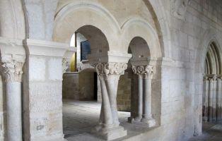 Columnas y capiteles - Monasterio de La Vid - Burgos