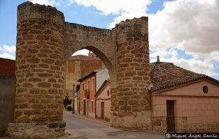 Arco de Entrada - Becerril de Campos