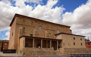 Iglesia de San Pedro - Becerril de Campos