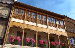 Balcones medievales - Plaza del Coso - Peñafiel - Valladolid