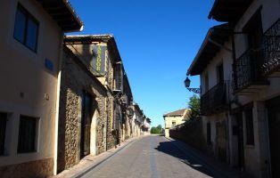 Calle la Iglesia - Riaza - Segovia