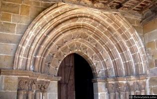 Pórtico Iglesia de Villavega de Aguilar