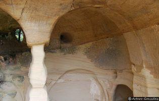 Iglesia rupestre de San Miguel - Presillas de Bricia