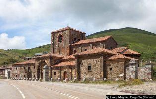 Colegiata de Santa María de Arbás