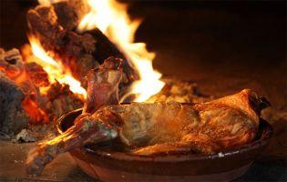 Ruta en moto por la Ribera del Duero - Gastronomía - Lechazo asado