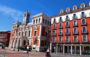 Plaza Mayor de Valladolid - Ruta en moto por la Ribera del Duero den Valladolid