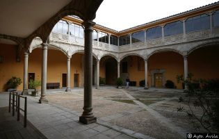 Palacio de los Bracamonte - Ávila