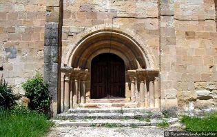Portada Iglesia Pino de Bureba