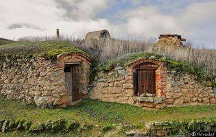 Bodegas subterráneas - Fuentes de Ropel
